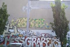 TOMCAT MESS GRAB